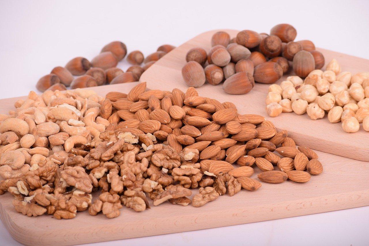 nuts, almonds, seeds-3248743.jpg