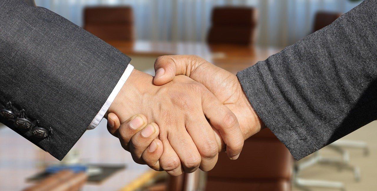 shaking hands, handshake, hands-3091906.jpg